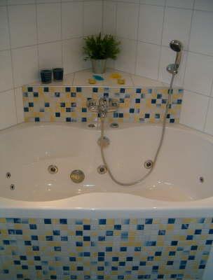 Voorbeelden uitgevoerde projecten bosman tegelwerken - Mozaiek blauwe bad ...